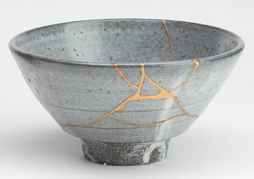 Kintsugi – Beauty In the Cracks